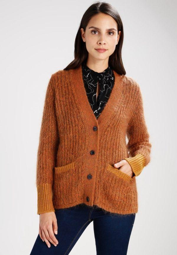 Модный кардиганы: коричневый свитер