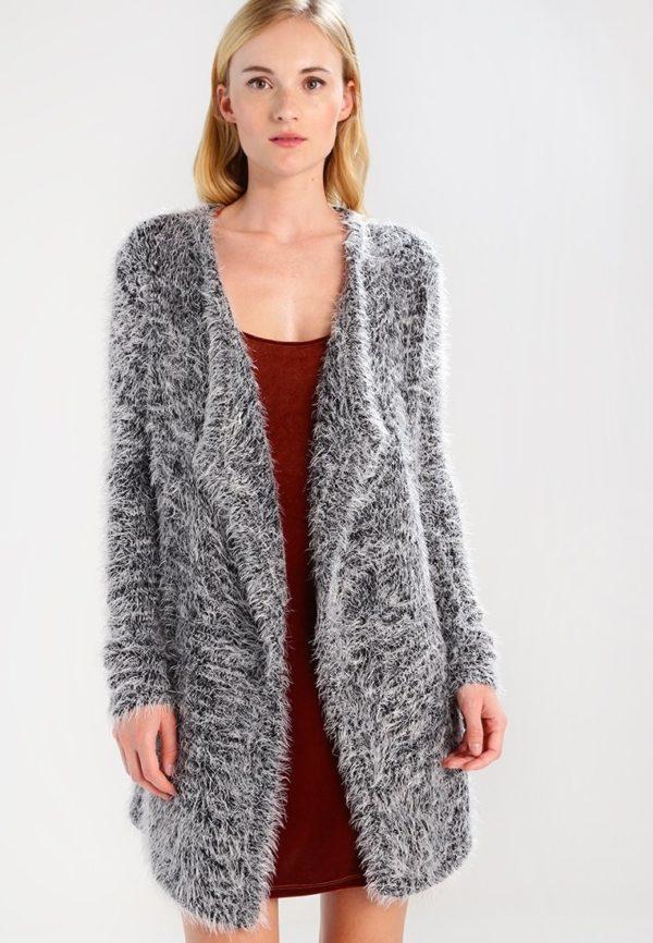 Женские кардиганы: серый на зиму