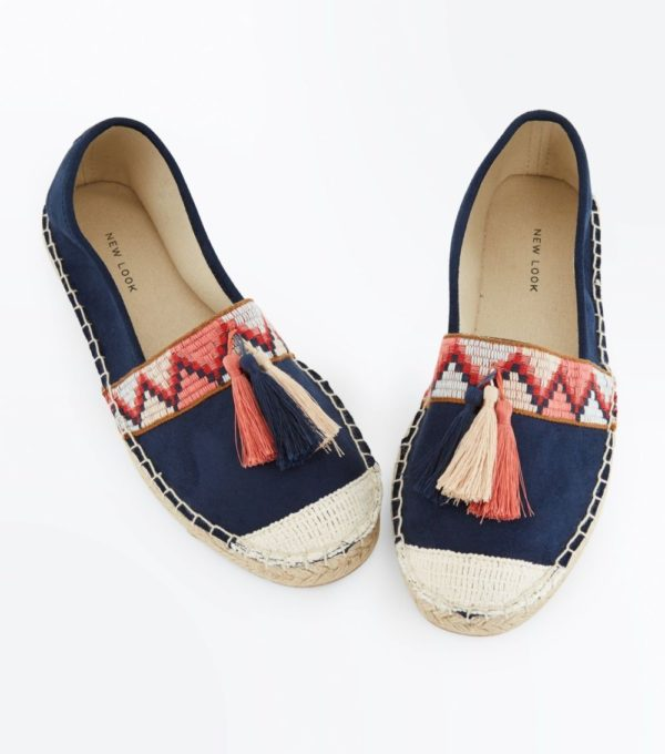 Модные тенденции весна лето 2019: женская синяя обувь
