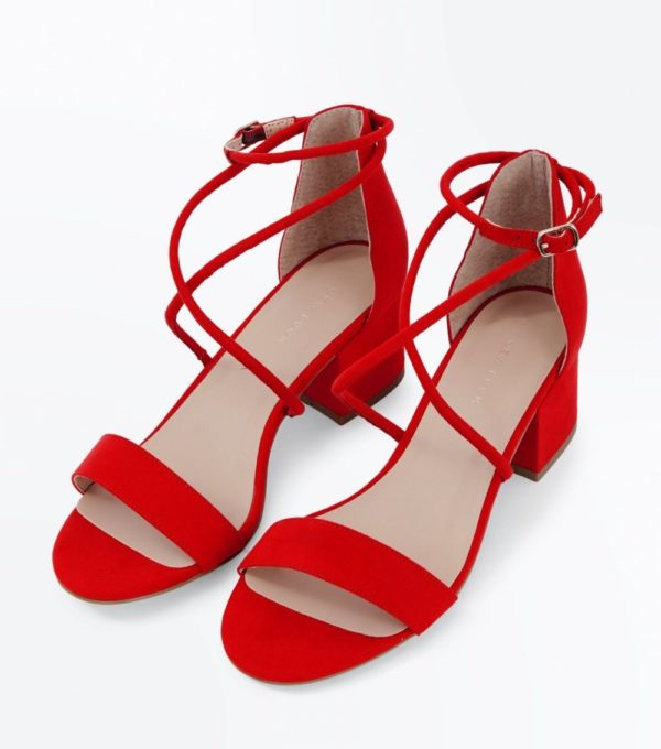 Модные тенденции весна лето 2020: женская красная обувь