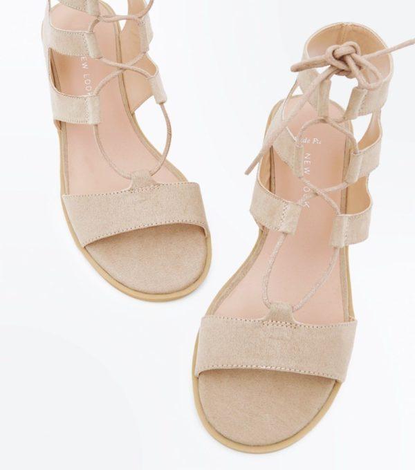бежевые сандалии