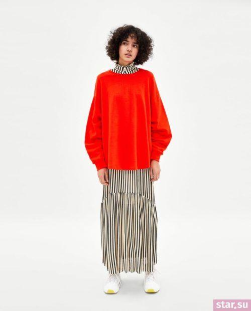 красный свитер 2018