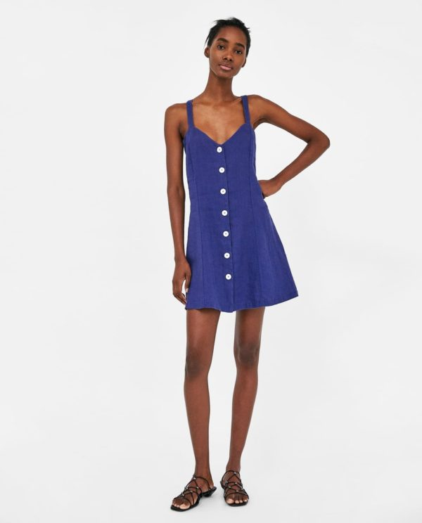 модные цвета лето 2020: синий сарафан