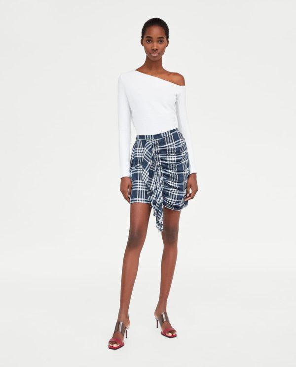 модные цвета лето 2020: белый и серый в одежде
