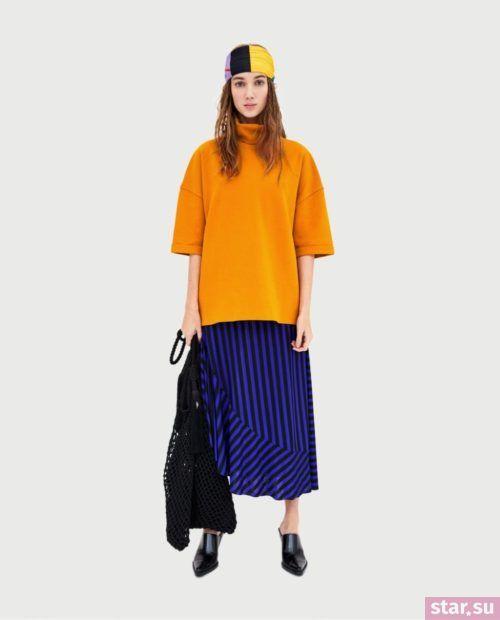 оранжевая кофта с синей юбкой 2018