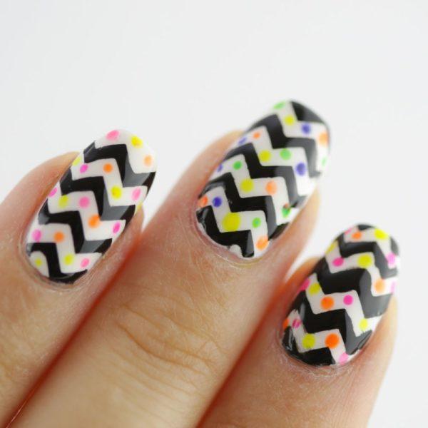 разноцветный лак для ногтей