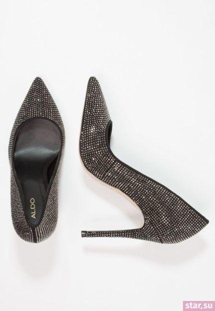 черная обувь на шпильке