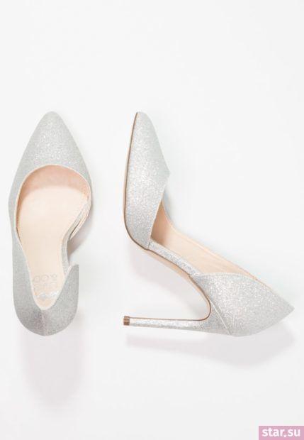 серебряная обувь на шпильке