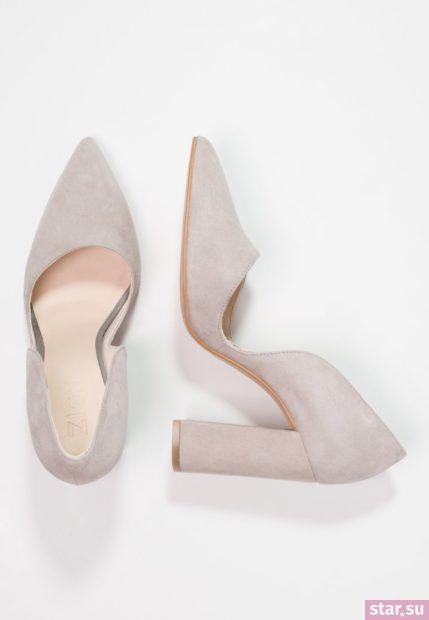 серая обувь на толстом каблуке