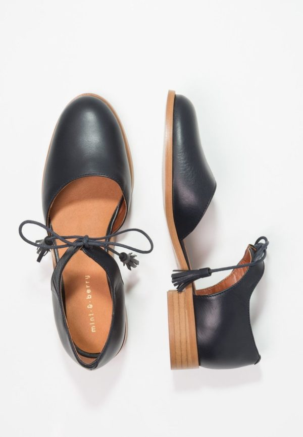 черная обувь без каблука
