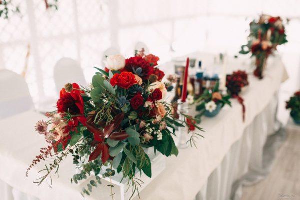 Украшение свадьбы – цветы марсала