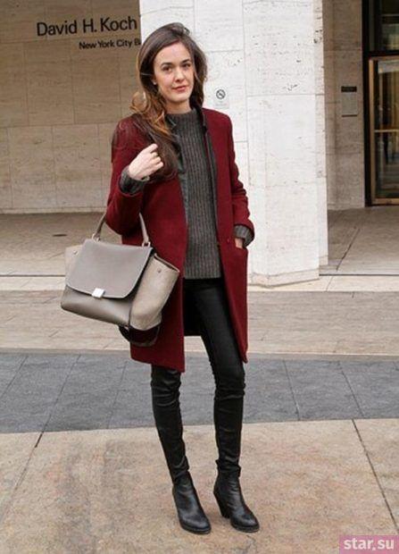 Пальто цвета марсала