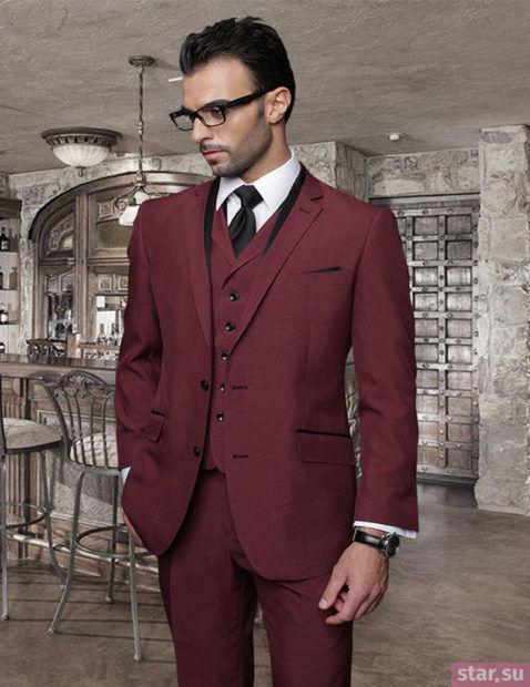 Мужской костюм цвет марсала