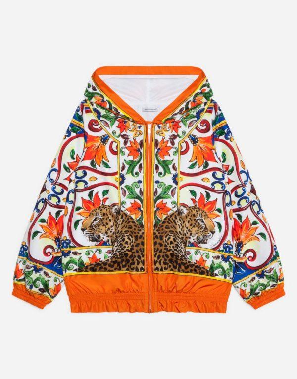 Принтованная куртка для девочки