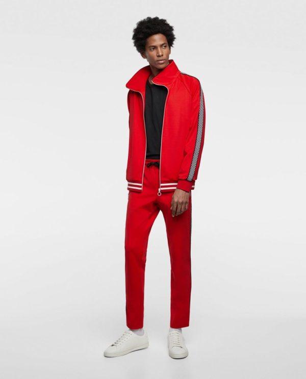 ярко красный спортивный костюм