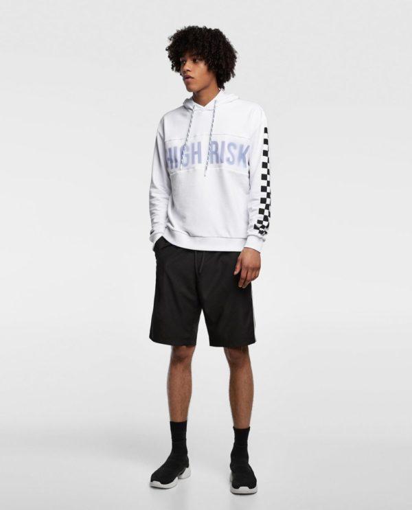 белая кофта черные шорты