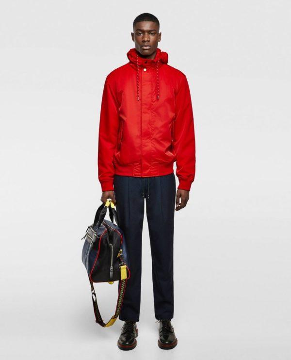 красная куртка под джинсы