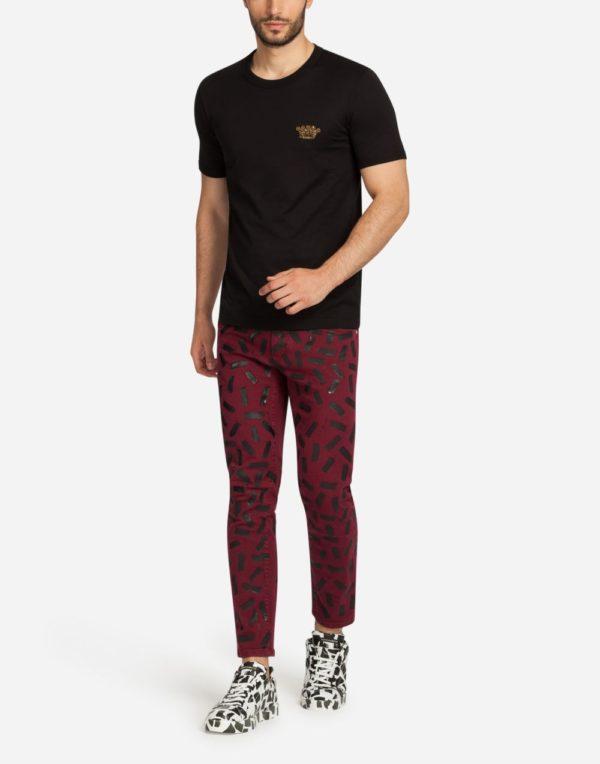 Мужская мода 2020 лето: черная футболка с короной