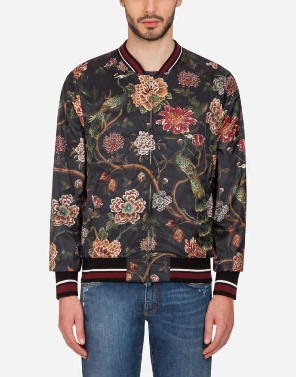 черная куртка весеннее-летнего сезона