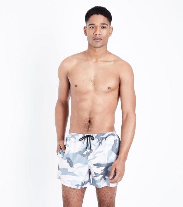 Модные пляжные мужские шорты сезона весна-лето 2019